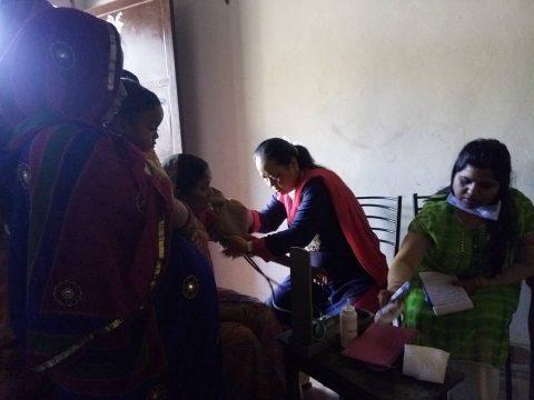 More than 100 women's free preventive breast cancer checkup in Dehradun's slum area